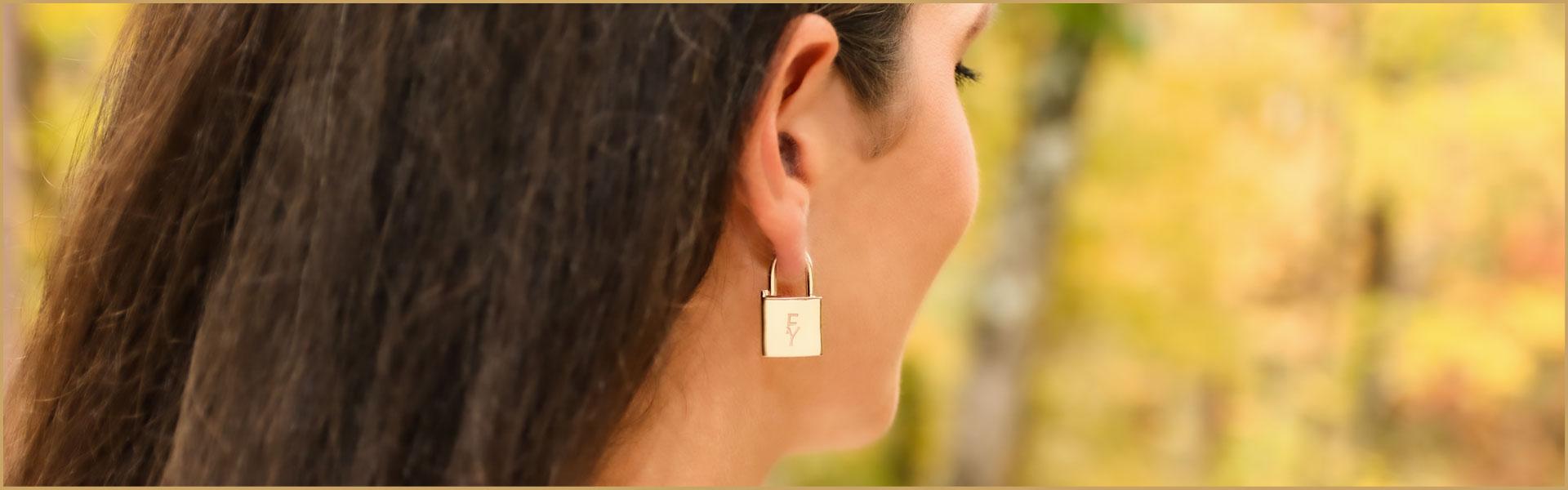 14 kt gold earrings